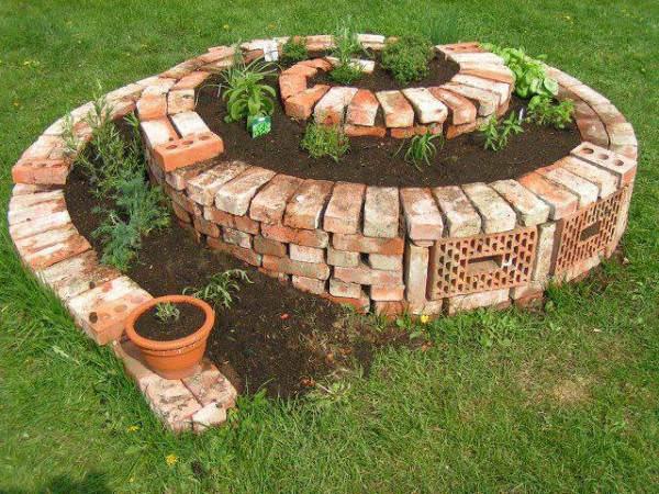 Tuğlalar ile Bahçe Süsleme Fikirleri tuğlalar ile bahçe süsleme fikirleri - tuglalar ile dekoratif bahce susleme fikirleri 6