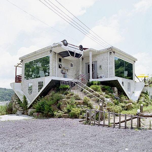 müze amaçlı yapılan ters evler