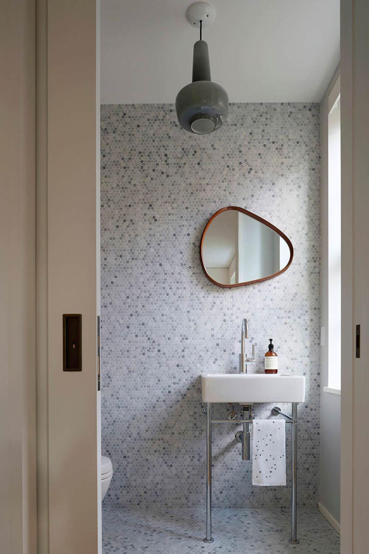 Dekoratif Dikkat Çekici Banyo Ayna Modelleri 14