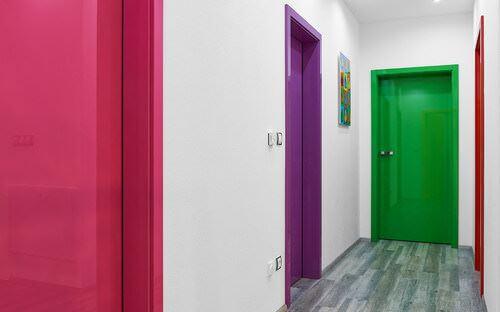 canlı renk seçimleri yaşam alanlarınızı canlı renklerle güzelleştirin - oda kapilarinizi renklendirin - Yaşam Alanlarınızı Canlı Renklerle Güzelleştirin