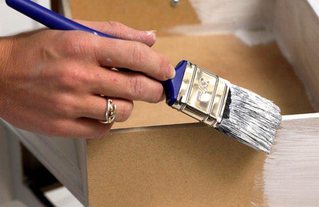 Eski Mobilyalarınızı Kendiniz Nasıl Boyayabilirsiniz