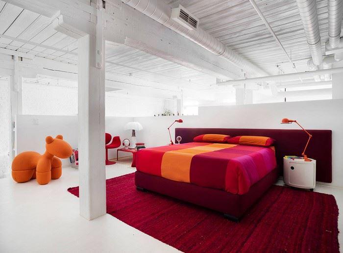 kırmızı renk yatak odasında