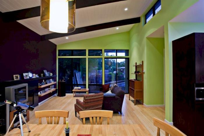 Yeşil Renk Dekore Edilmiş Evler