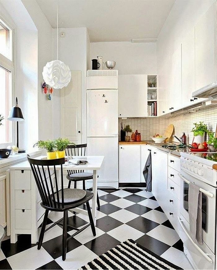 Küçük Bir Mutfak Nasıl Büyük Gösterilir