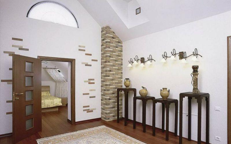 Koridor Duvarlarında Dekoratif Tuğla