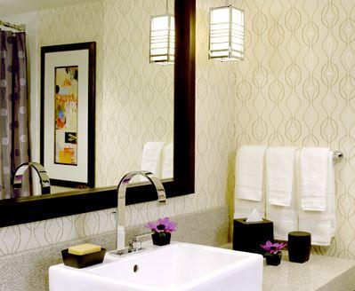 banyo duvar kağıt modelleri yeni tasarım duvar kağıt desenleri ve renkleri - acik renk desenli banyo duvar kagidi - Yeni Tasarım Duvar Kağıt Desenleri Ve Renkleri