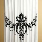 banyo-dus-perde-modelleri duş perdesi - banyo siyah desenli dus perde 150x150 - Renkli Desenli Banyo Perde Modelleri