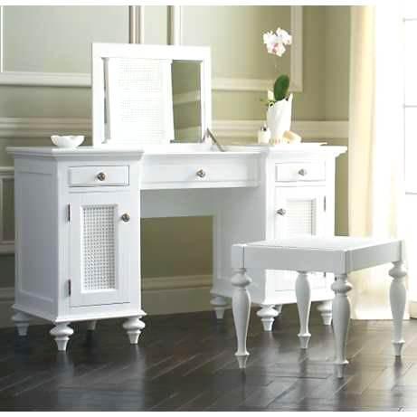 beyaz retro makyaj masası modeli