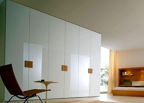 Beyaz modern gardırop
