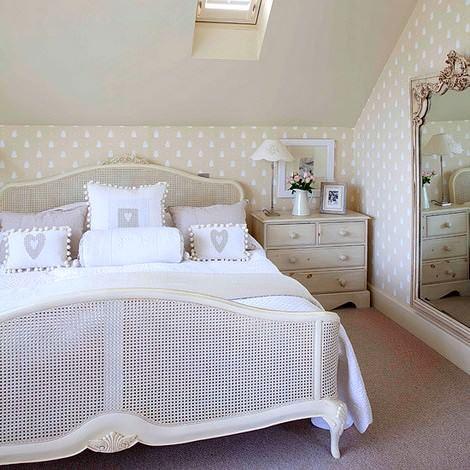 beyaz yatak odası dekorasyon