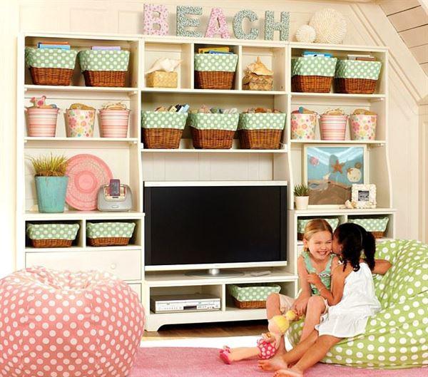 çocuk odası oyuncak saklama rafları