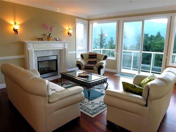 deri-koltuklu-oturma-odasi Çok Şık Çarpıcı oturma odası dekorasyonları - deri koltuklu oturma odasi - Çok Şık Çarpıcı Oturma Odası Dekorasyonları