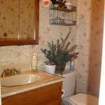 desenli-banyo-duvar-kagitlari