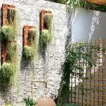 dekoratif-bahce-ve-balkon-ciceklik-fikirleri dekoratif bahçe ve balkon Çiçeklik fikirleri - duvar ciceklik raf modelleri 150x150