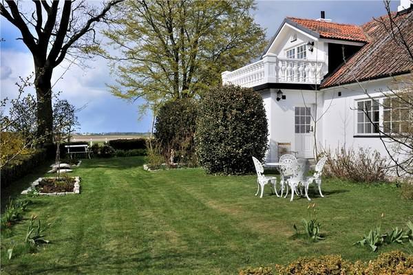 Büyük Beyaz Rustik Ev Dekorasyonu 2