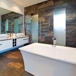 küvetli banyo dekorasyon modelleri - genis kuvetli banyo 150x150 - Küvetli Banyo Dekorasyon Modelleri