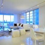 büyük daire beyaz dekorasyon geniş oturma odası dekorasyon