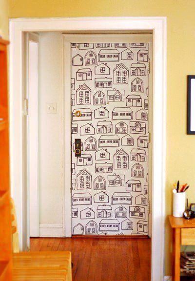 Duvar Kağıdıyla İç Kapı Süslemeleri