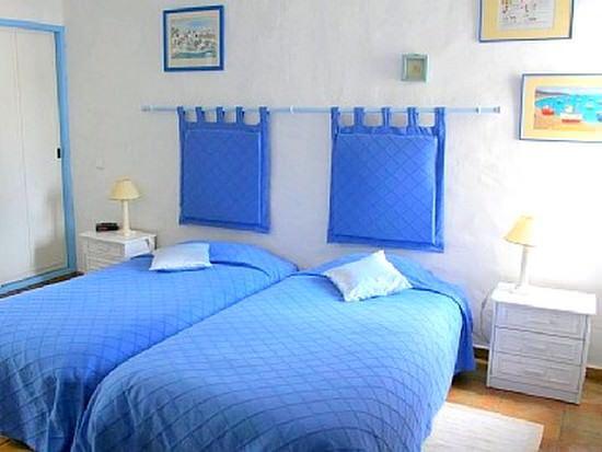 mavi renk yatak odası dekorasyon