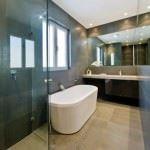 küvetli banyo dekorasyon modelleri - modern kuvetli banyo 150x150 - Küvetli Banyo Dekorasyon Modelleri