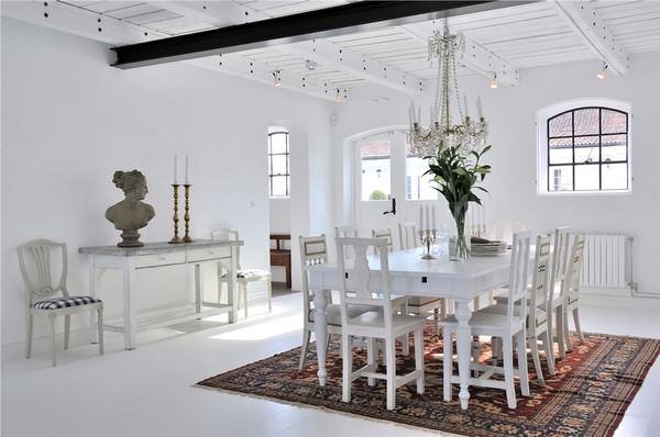 Büyük Beyaz Rustik Ev Dekorasyonu 12