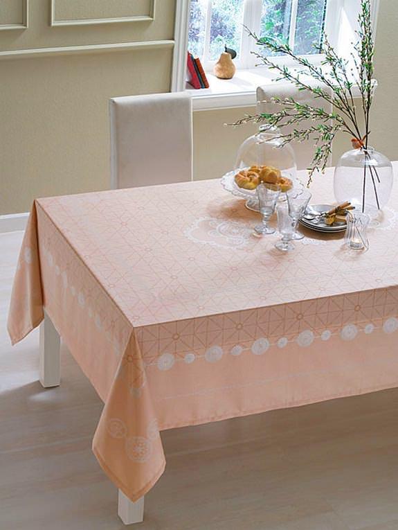 Renkli Desenli Masa Örtüsü Modelleri 6