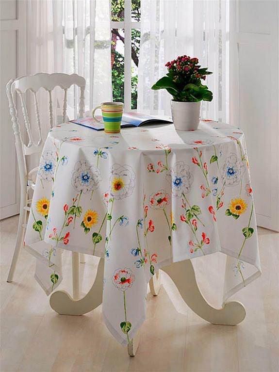 Renkli Desenli Masa Örtüsü Modelleri 5