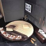 lüks 2012 yatak odası modelleri - yuvarlak yatak modeli 150x150 - Lüks 2012 Yatak Odası Modelleri